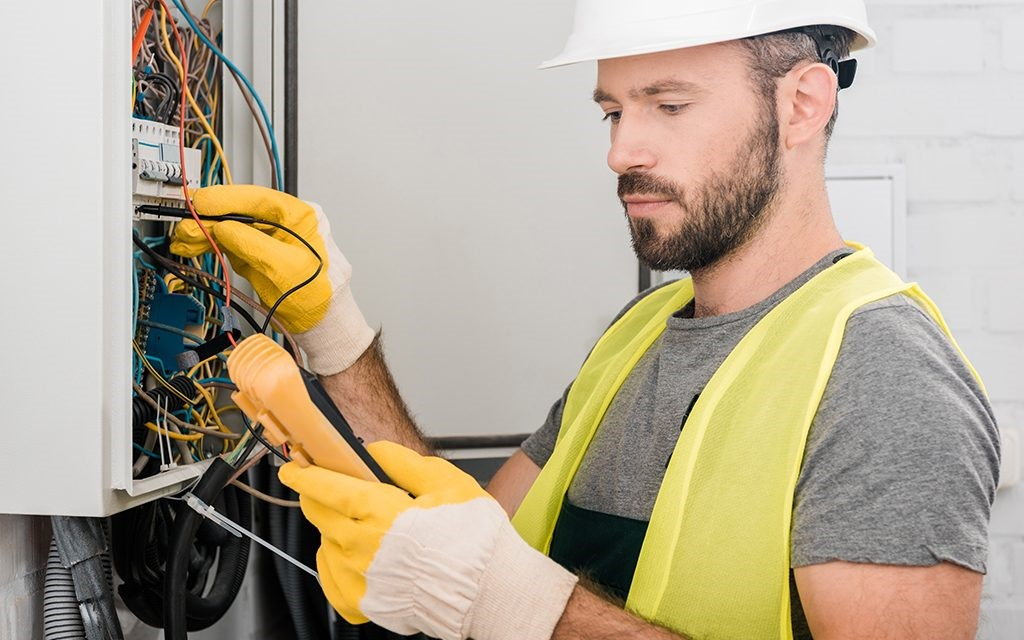 What's It Like to Be an Electrician? - Employment Training Agency